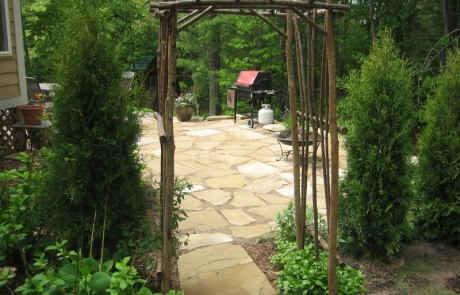 Flagstone Paiot with Garden