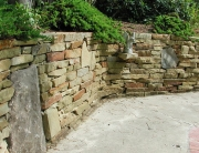 Stone wall using heavy wall stone