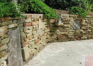 Stone Retaining Wall by Lotus Gardenscapes