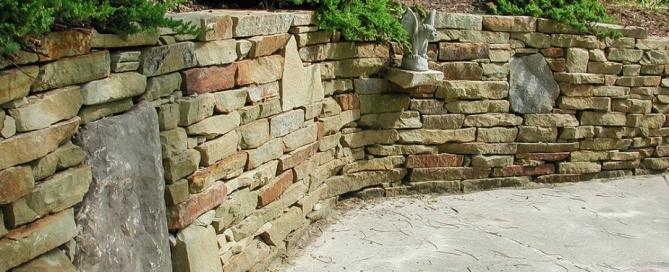 Stone wall using heavy wall stone